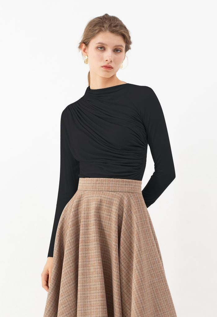 Ruched Long Sleeves Top in Black