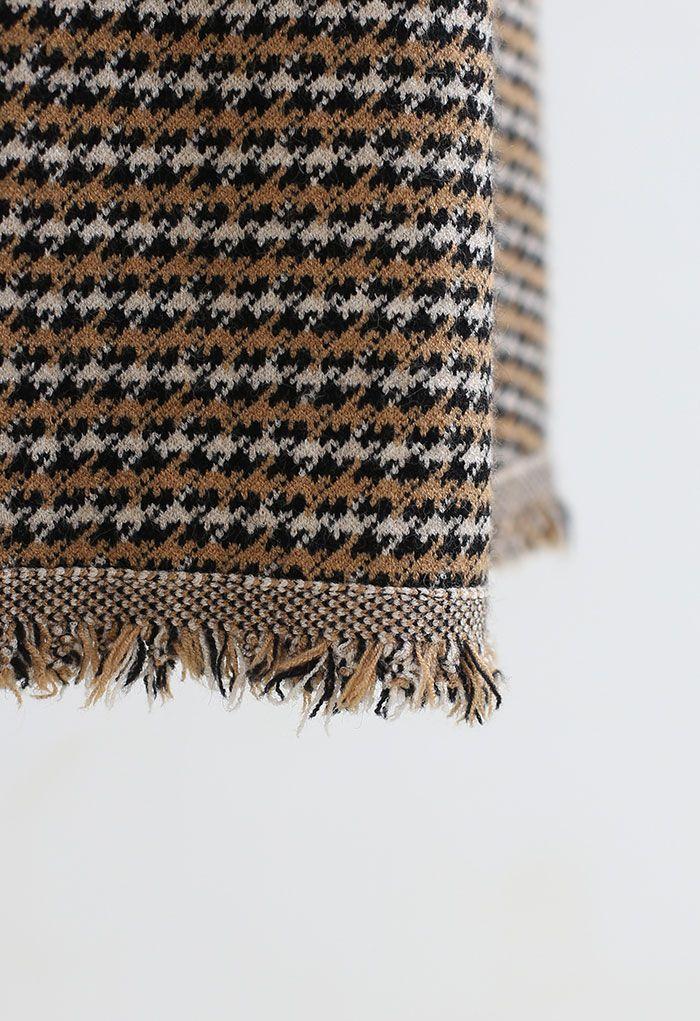 Houndstooth Fringed Hem Knit Midi Skirt in Tan
