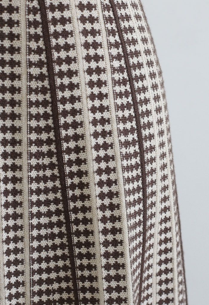 Dotted Pleated A-Line Midi Knit Skirt in Brown