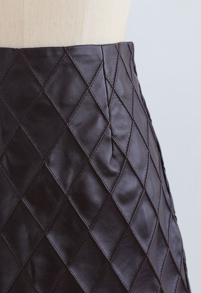 Diamond Textured Faux Leather Bud Skirt in Brown