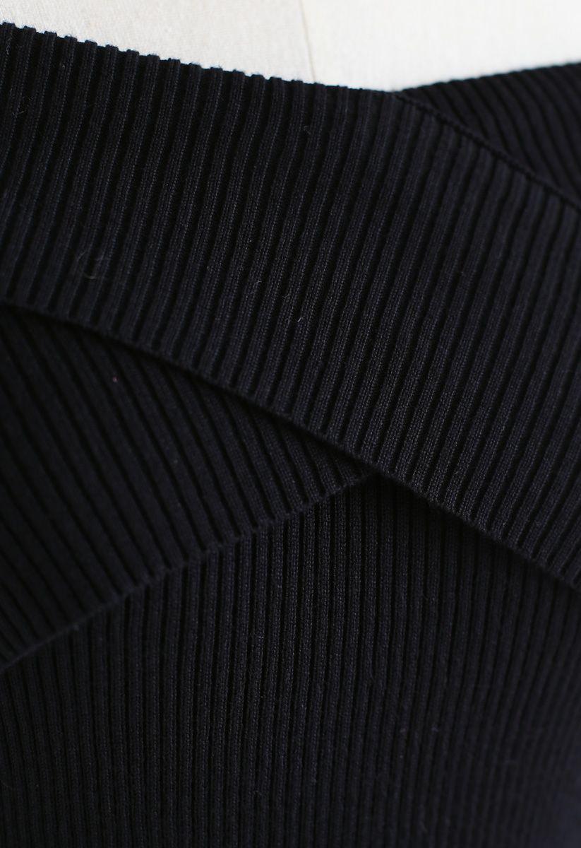 黑色交叉一字領針織上衣