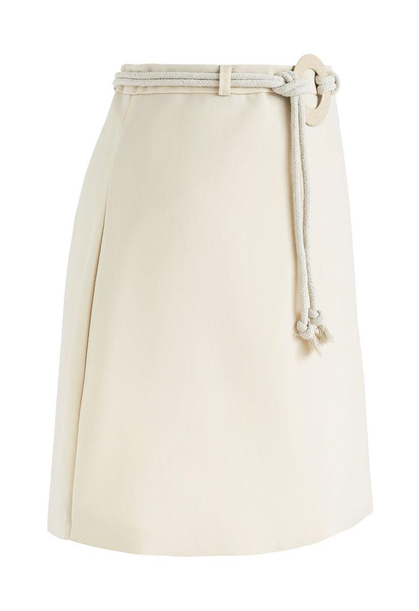 奶油色迷你蕾絲裙