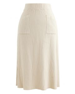 Two Patched Pockets Knit Skirt in Cream