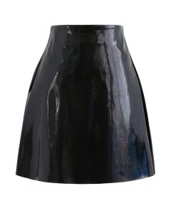 Glossy Faux Leather Bud Skirt in Black