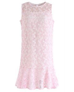 粉紅色的全新愛鉤針無袖連衣裙