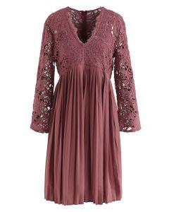 Lace Crochet V-Neck Pleated Dress